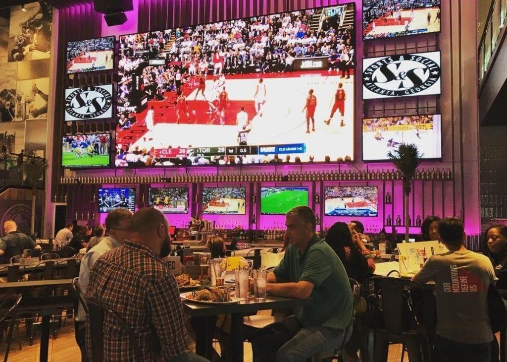 11 Awesome Sports Bars In Atlanta
