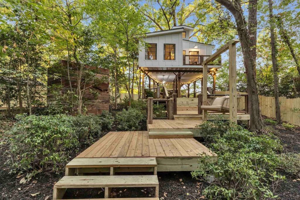 This Stunning Tree House Is Perfect For The Ultimate Romantic Getaway In Atlanta