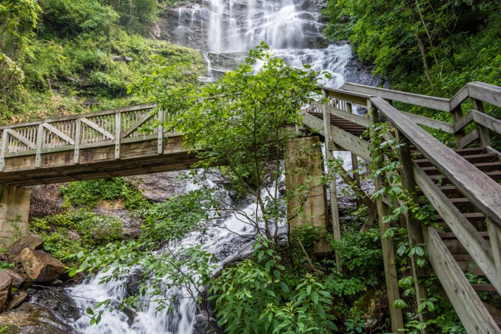 Top 7 Hikes In Georgia With Gorgeous Waterfalls