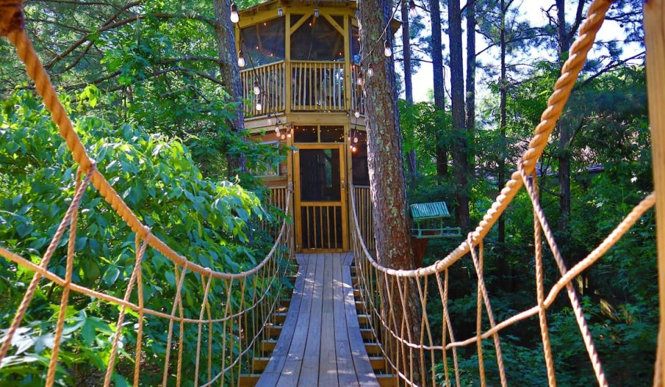 Sleep Up In The Trees At This Unique Treehouse Holiday Rental In Kennesaw