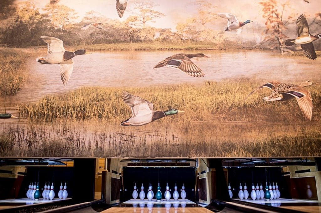 Play Vintage Games At This Boozy, Boutique Bowling Bar & Restaurant